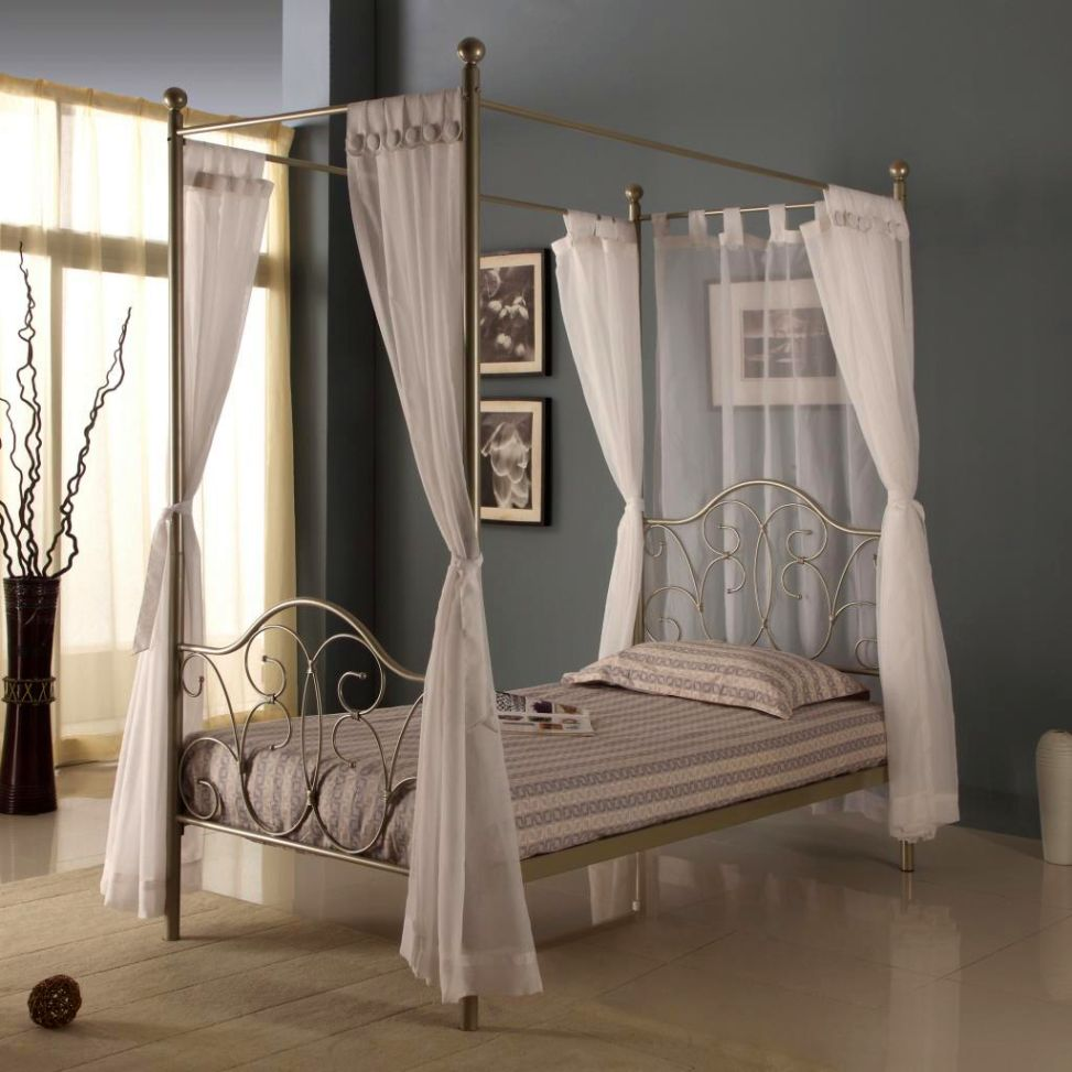 canopy bed sets with white chrome finish in minimalist bedroom