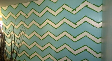 Easy jagged wave pattern DIY Indoor Wall Painter