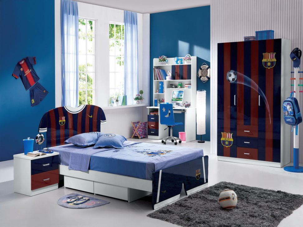 Sleek barcelona themed room decor ideas for teenage boys for Boys bedroom ideas teenage