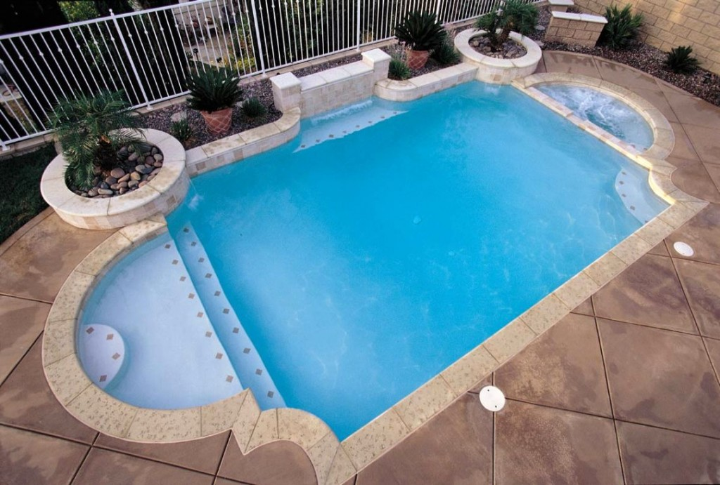 Grecian style for your own roman themed swimming pool for Shapes swimming pool