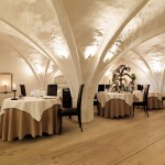 Unique and Lovely Vaulted Ceiling Decorating Ideas in Luxurious Dining Room