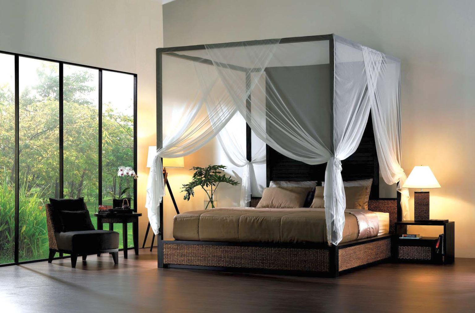Gallery Of Exotic Canopy Bed Designs