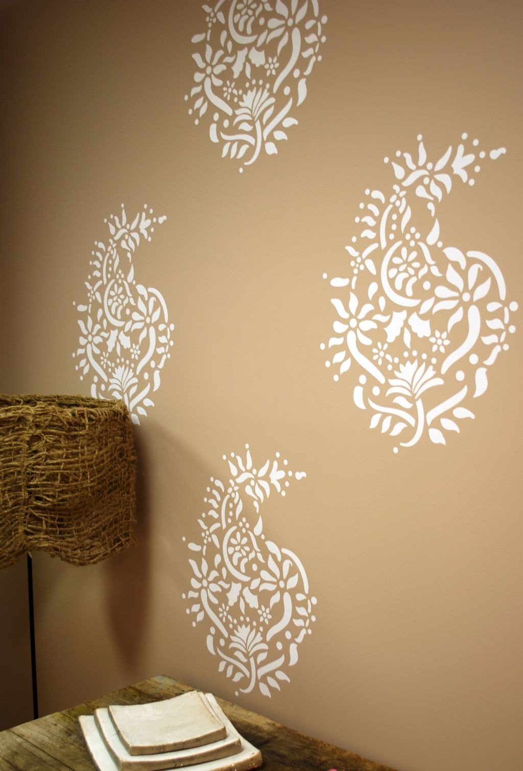 Paisley pattern cool wall painting designs - Exterior wall paint design photos ...