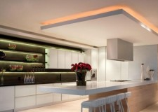 Suspended ceiling for modern kitchen with superb lighting design