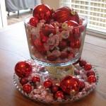 cheap bowl centerpiece ideas using Christmas decorations