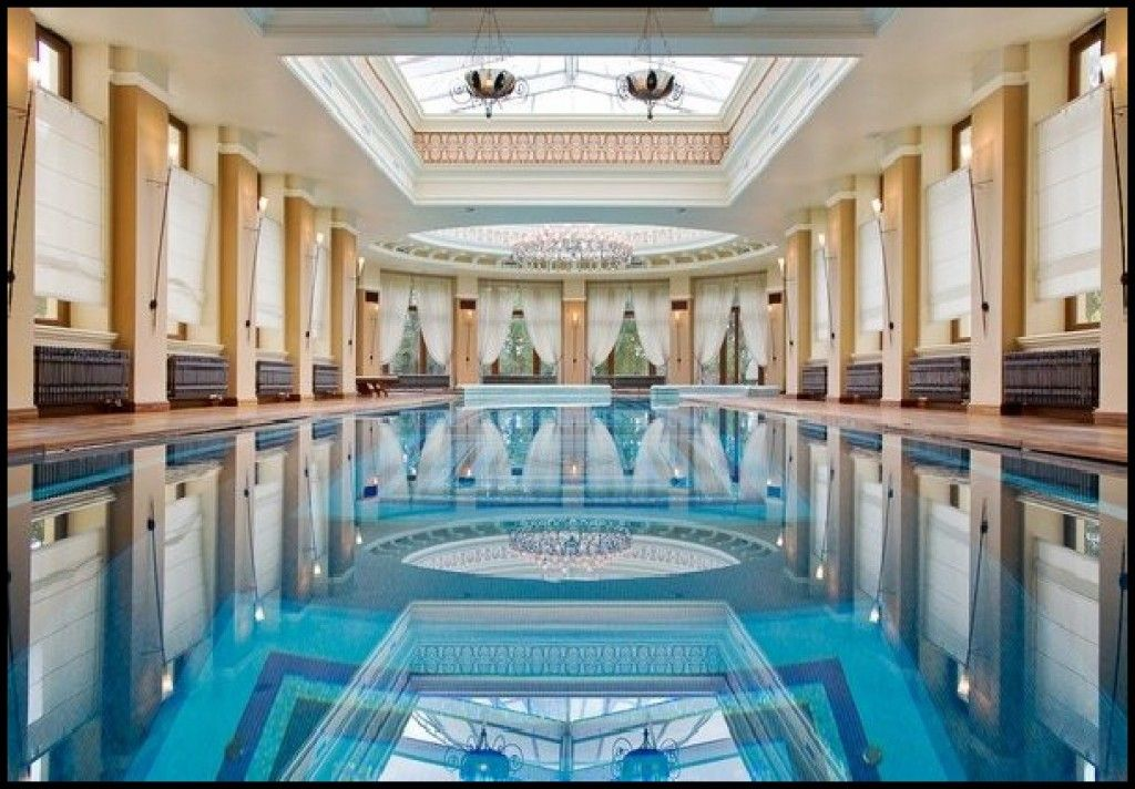 Classic indoor swimming pool designs with pillars for Indoor swimming pool ideas