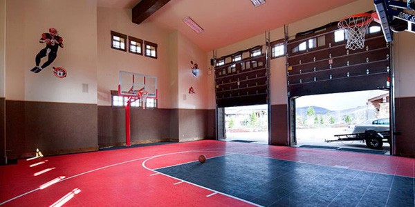 19 modern indoor home basketball courts plans and designs for Custom indoor basketball court