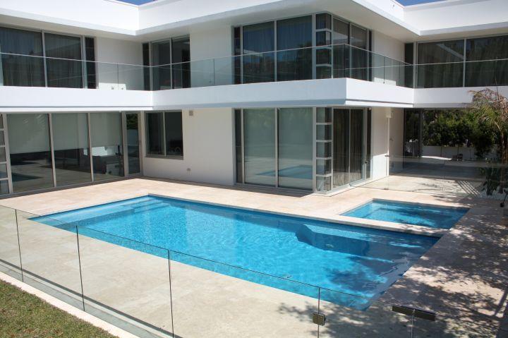Contemporary Backyard Pools : contemporary Backyard pool designs