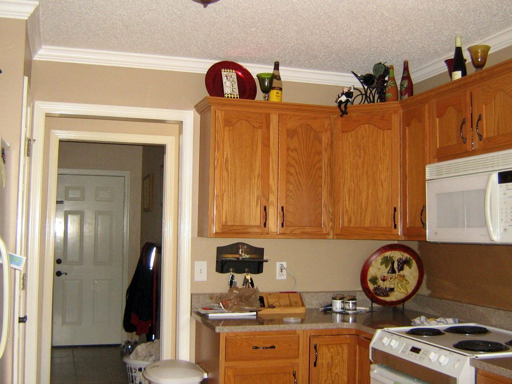 Best Paint Color For Cream Kitchen Cabinets Best 25+ Cream Colored ...