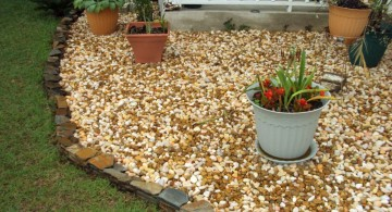 cute stones for flower beds for small yards