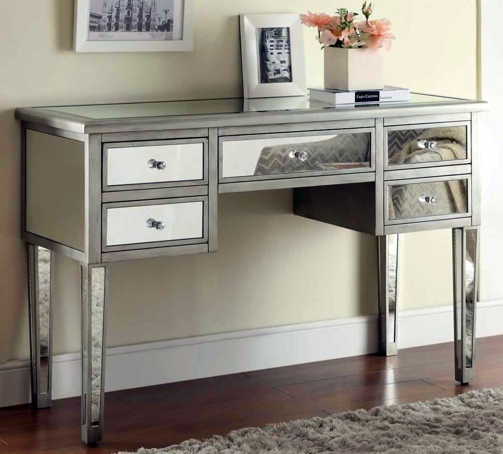 19 Brilliant Small Entry Table Ideas
