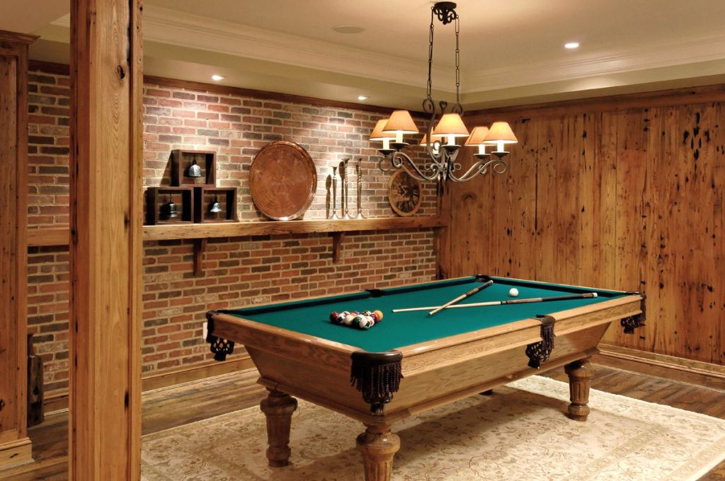 20 cozy hang out room ideas for happy family for Pool table room decorating ideas