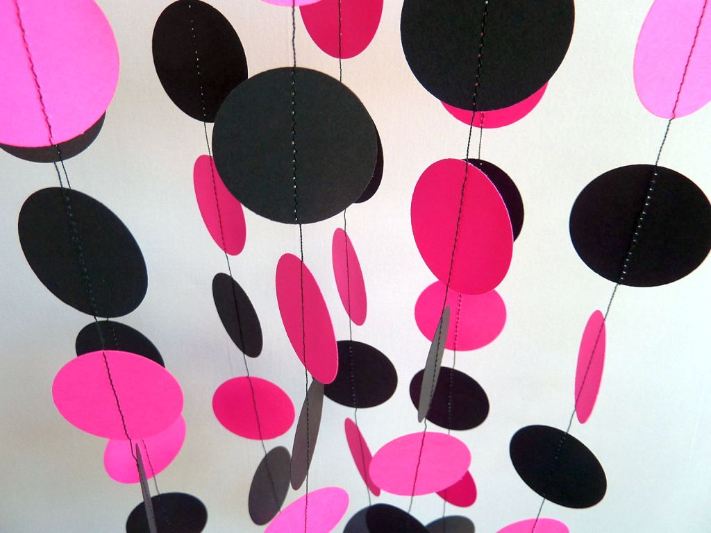 Pink Black Wall Decor : Hanging circles pink and black wall decor