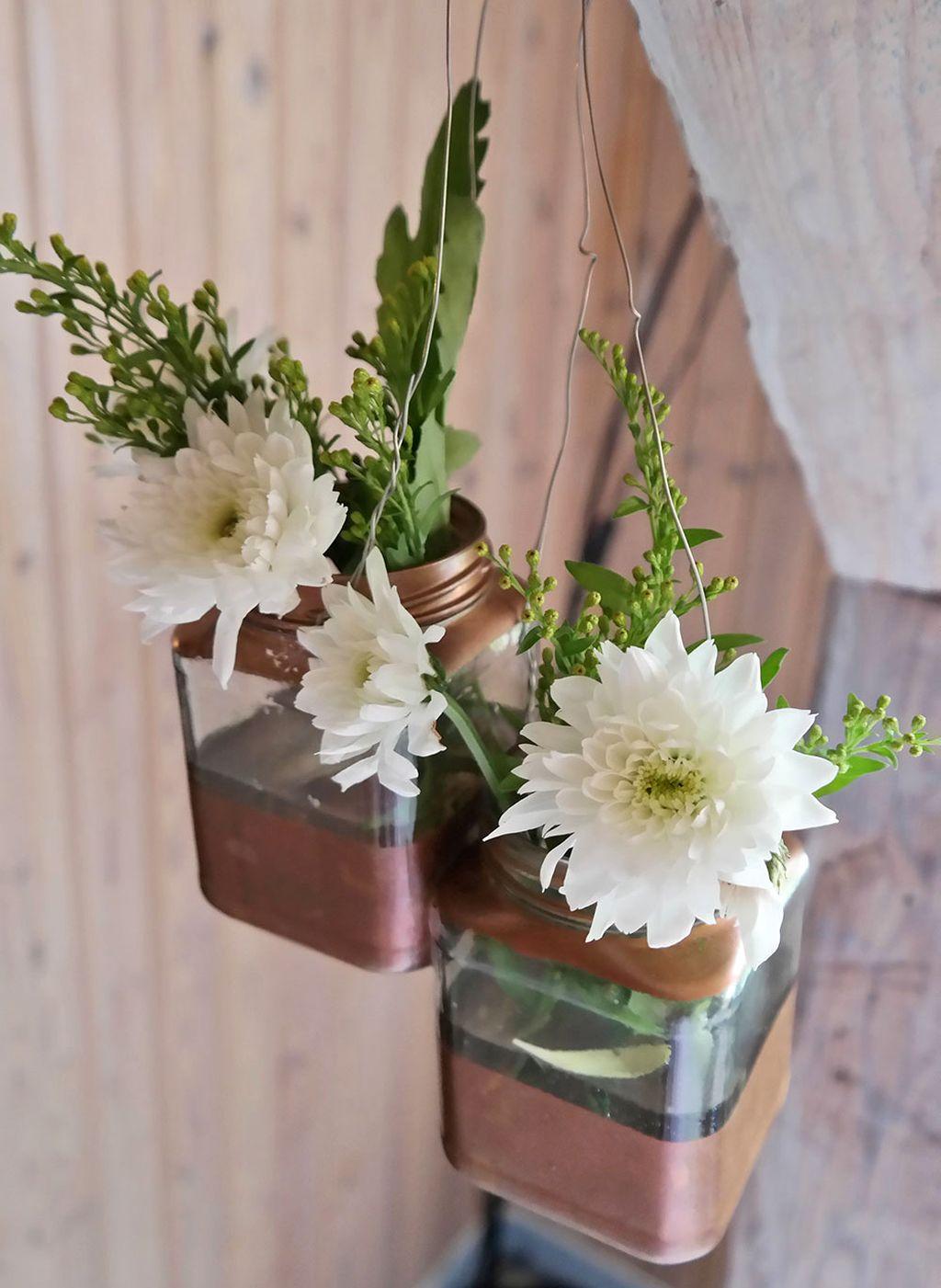 20 Lovely DIY Hanging Flower Vase Ideas