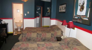 hockey bedrooms with twin beds