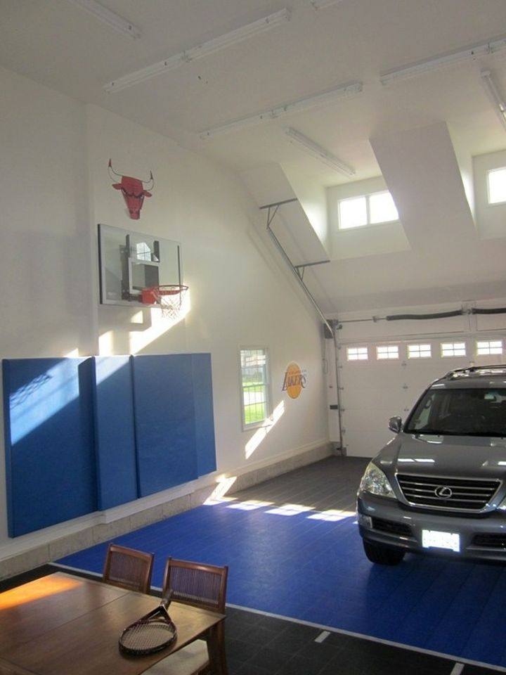 19 modern indoor home basketball courts plans and designs for Basketball garage
