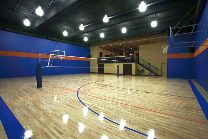 19 modern indoor home basketball courts plans and designs for Indoor sports court