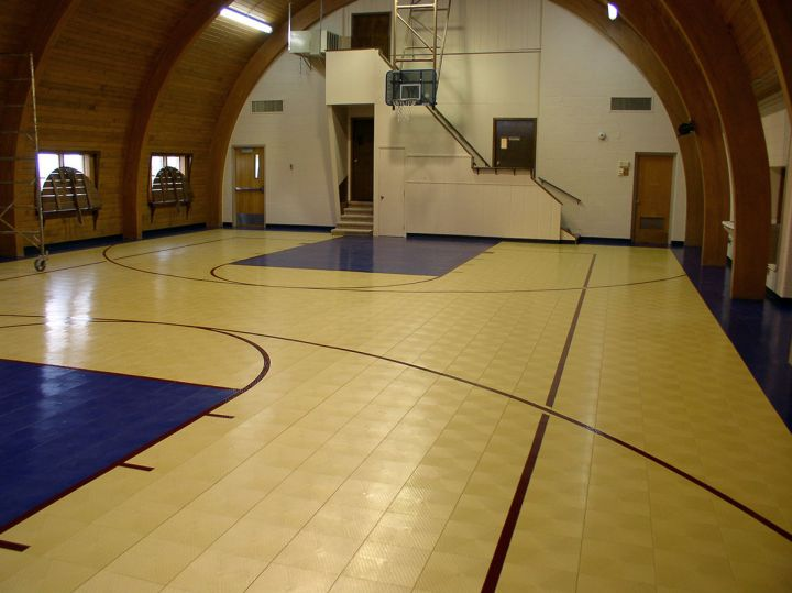 19 modern indoor home basketball courts plans and designs for Basketball gym floor plan
