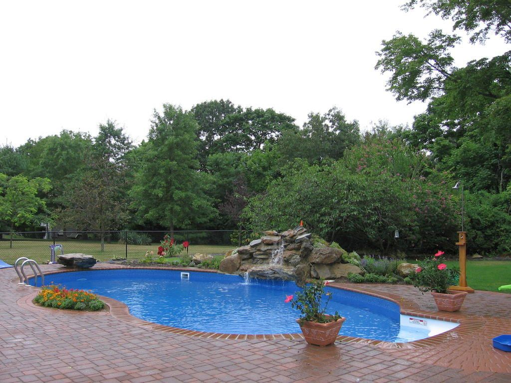 Inground Nature Themed Kidney Shaped Swimming Pools