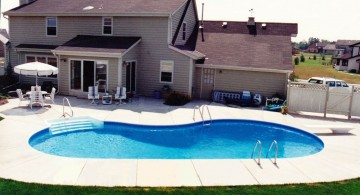 kidney shaped swimming pools for side yard