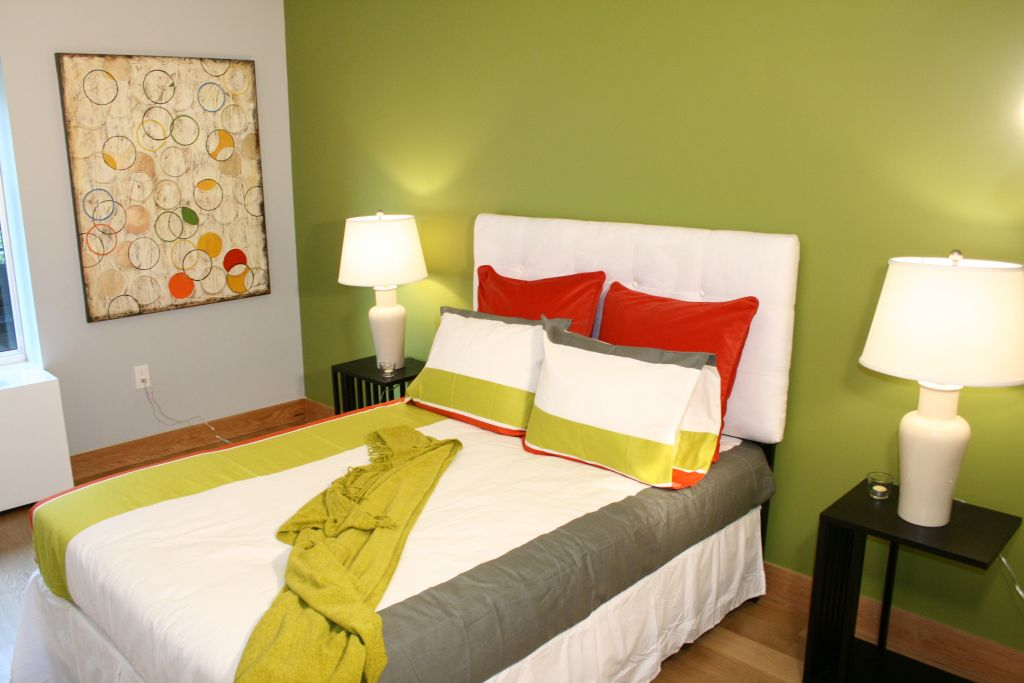 19 delightful lime green accent walls to rejoice your home for Lime green wall color