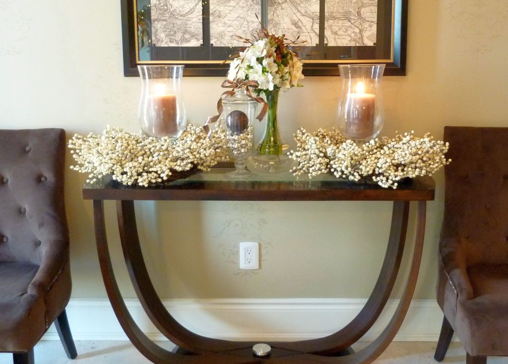 19 brilliant small entry table ideas Entry table design ideas