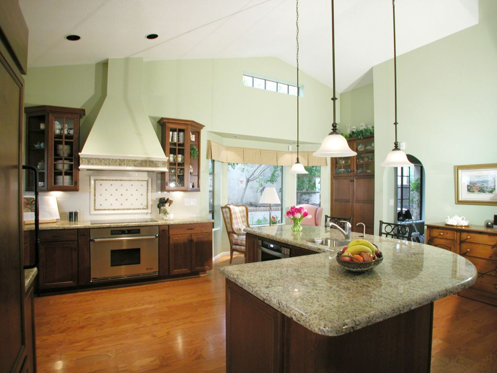 Mini Pendant Lights Over Kitchen Island For Lshaped Marble Countertop - Lighting above a kitchen island