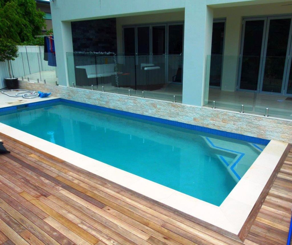 19 breath taking lap pool designs made for modern homes for Swimming pool plans free