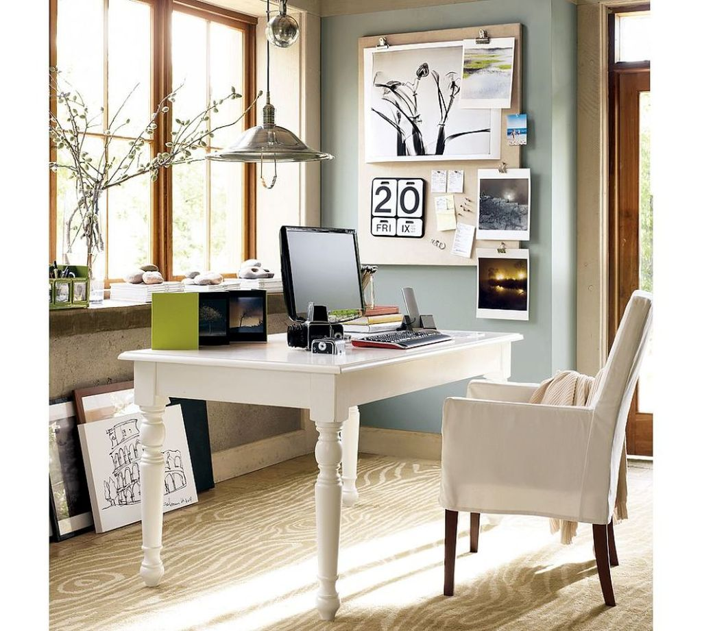 20 inspiring home office design ideas for small spaces for Decorating work office ideas