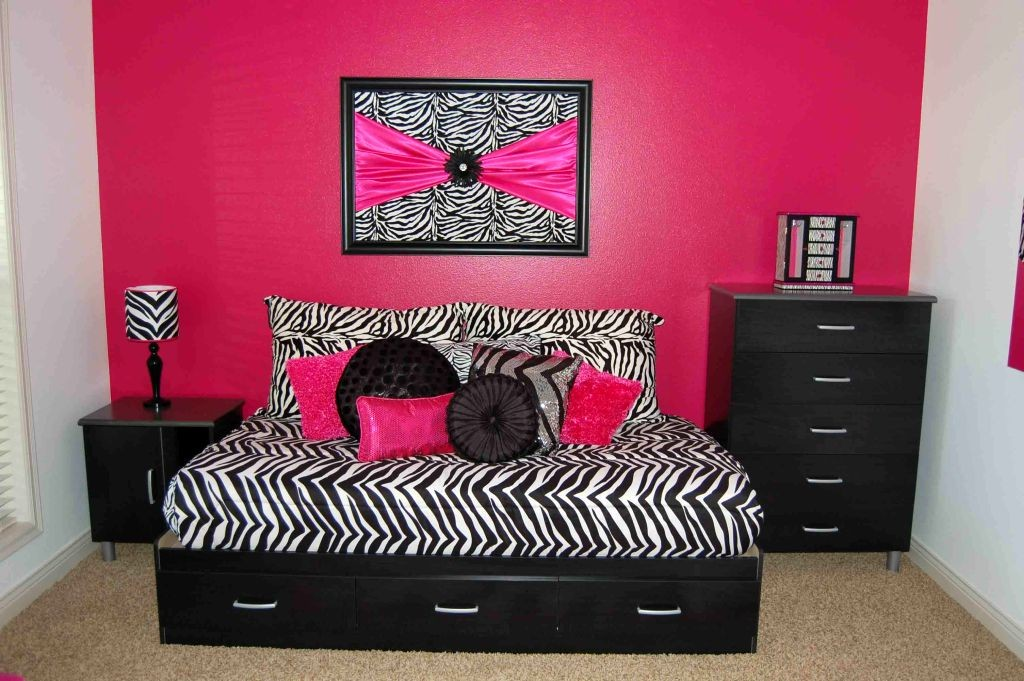 more adult style pink and black bedroom decor