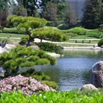 natural landscaping designs with big rocks
