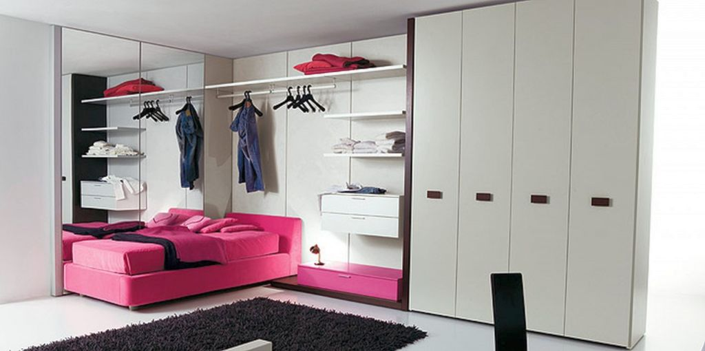 20 amazing pink and black bedroom decor for Very small bedroom designs for women