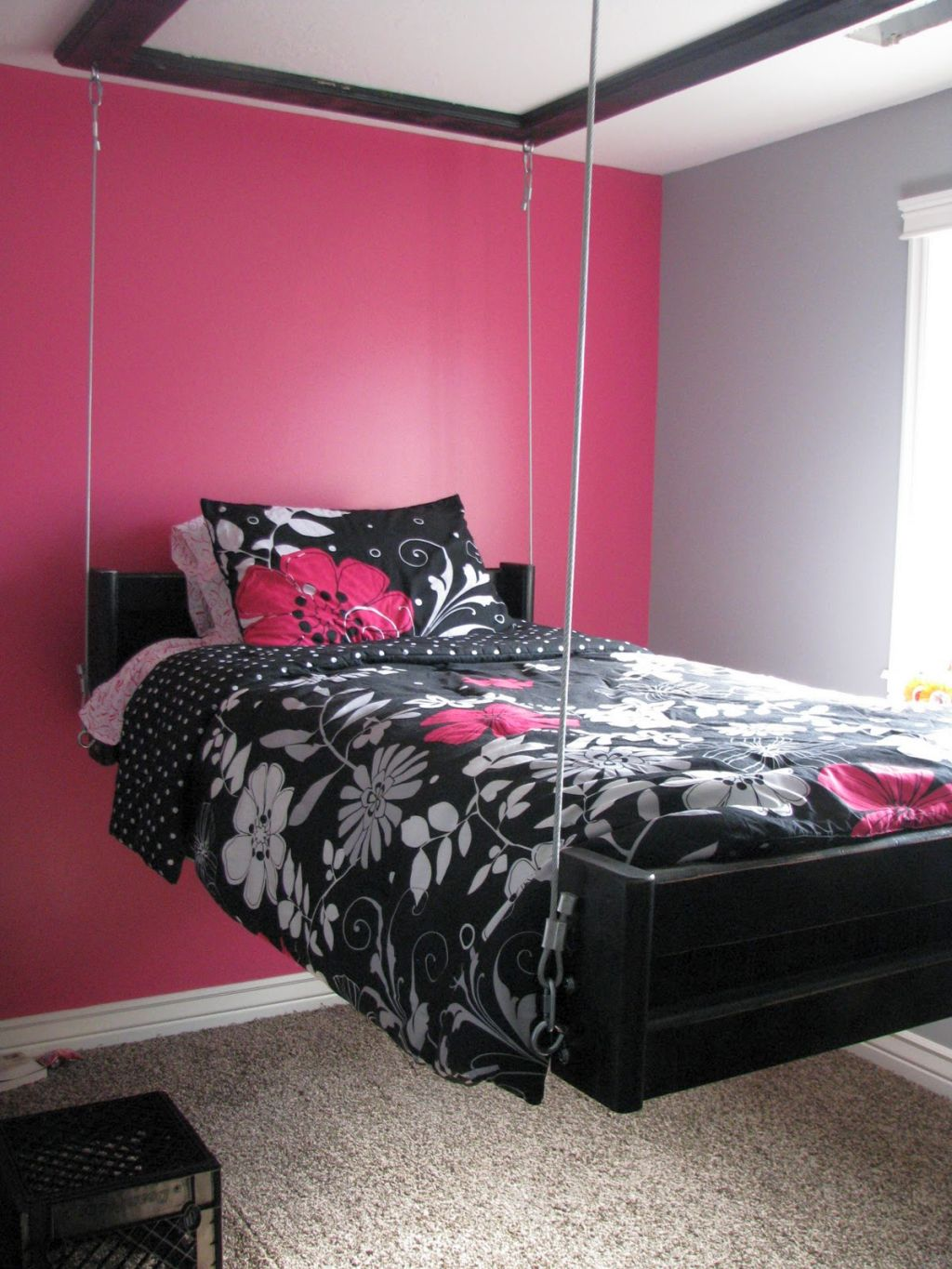 Awesome So, What Do You Think About Pink And Black Bedroom Decor With Hanging Bed  Above? Itu0027s Amazing, Right? Just So You Know, That Photo Is Only One Of 20  Amazing ...