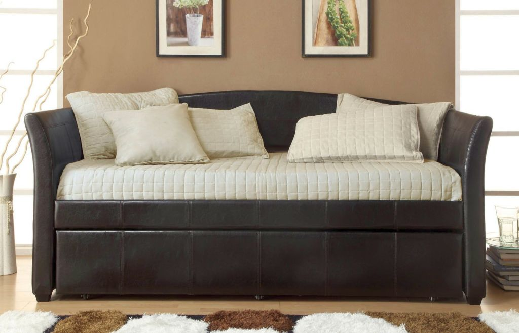 Plush and comfortable small sofa beds for small rooms for Plush couch and loveseat