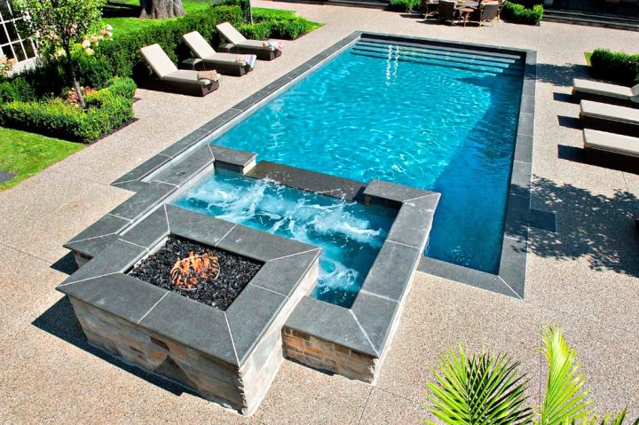 Pool with spa designs geometric pool and jacuzzi for small for Hot tub designs and layouts