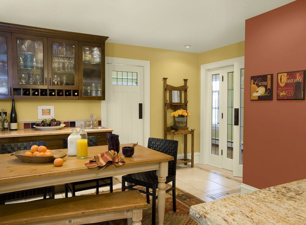 popular paint colors for kitchen in light yellow