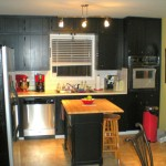 popular paint colors for kitchen in monochrome