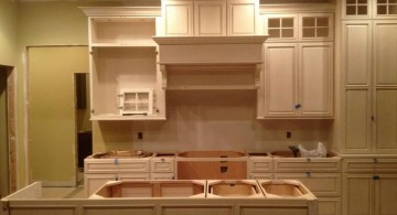 popular paint colors for kitchen in simple cream shades