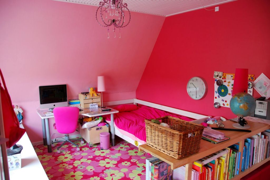 20 pretty girl bedrooms for your little princesses - Nice bedroom colors for girls ...