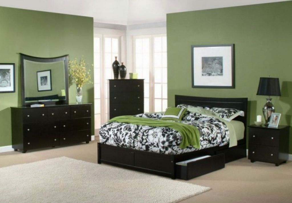 relaxing paint colors for bedrooms with green wall and dark wood furnitures. Black Bedroom Furniture Sets. Home Design Ideas