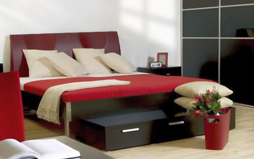 Simple and modern red black and white bedroom ideas for Red and black bedroom designs
