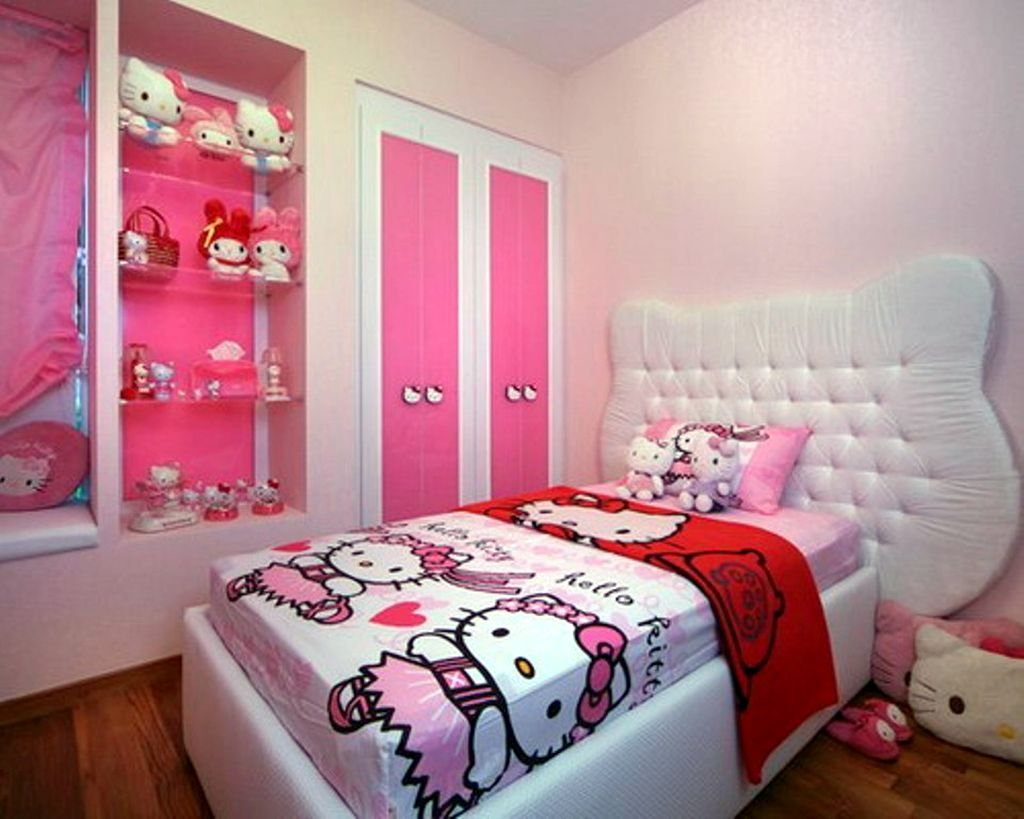 Simple hello kity girls bedroom designs for small rooms for Bedroom ideas small space