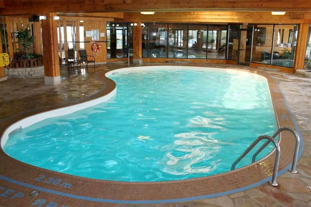 Simple Kidney Shaped Swimming Pools For Indoor