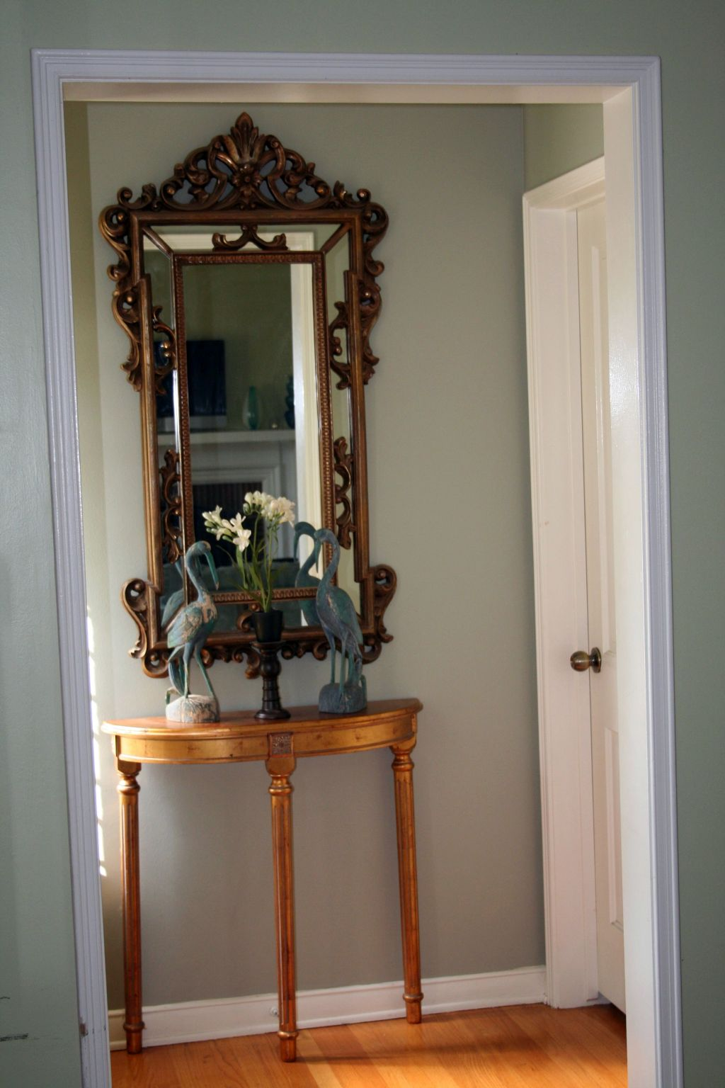 No Foyer Ideas : Simple no drawer small entry table ideas for space