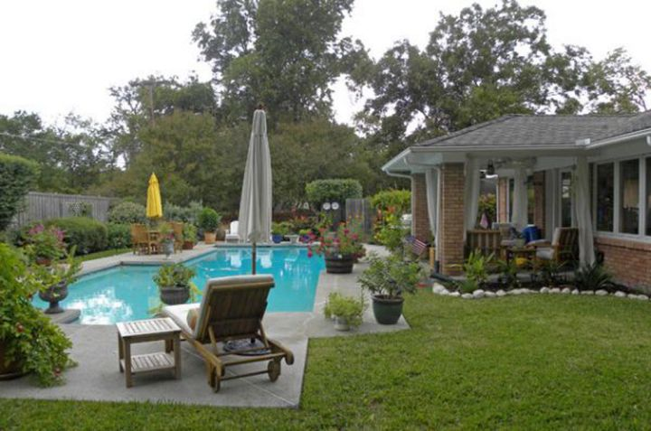17 refreshing ideas of small backyard pool design for Pool design ideas for small backyards