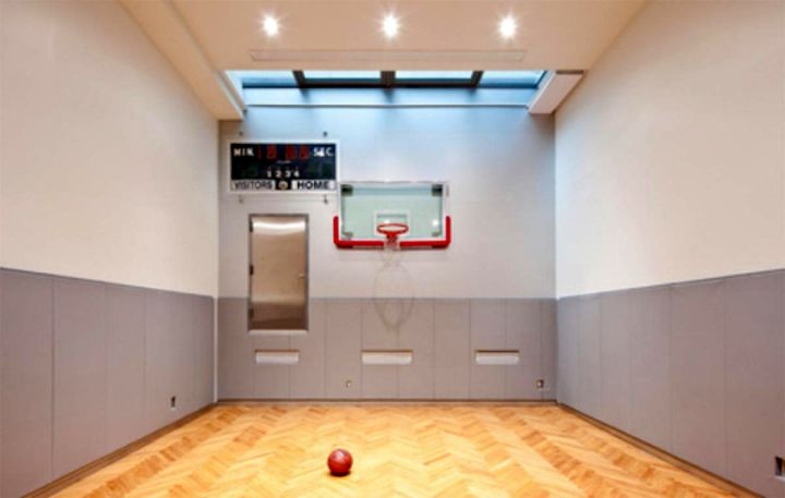 Small and narrow indoor home basketball courts for Homemade indoor basketball court