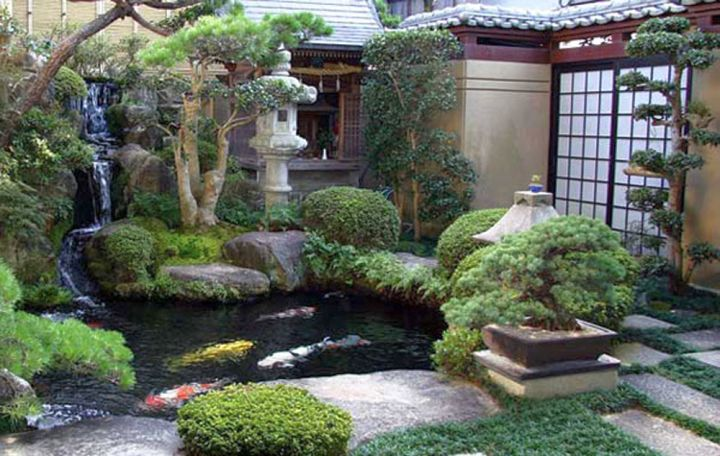 Small japanese garden design ideas with small fish pond for Outdoor fish ponds designs