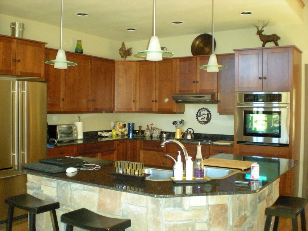 Small kitchen island with sink and seating idea for small Kitchen island with sink and seating