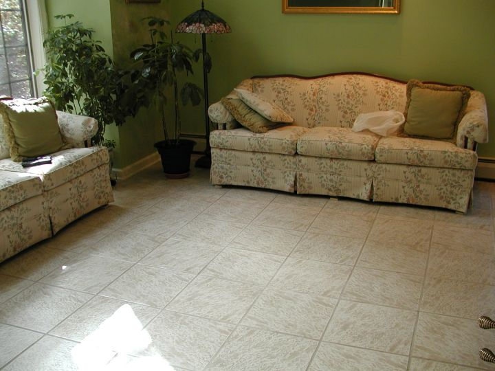 19 tile flooring ideas for living room to look gorgeous for Tiled living room floor designs