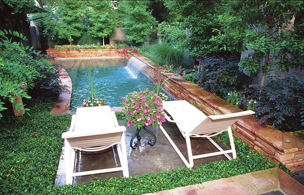 Tiny swimming pools for narrow yard for Narrow pools
